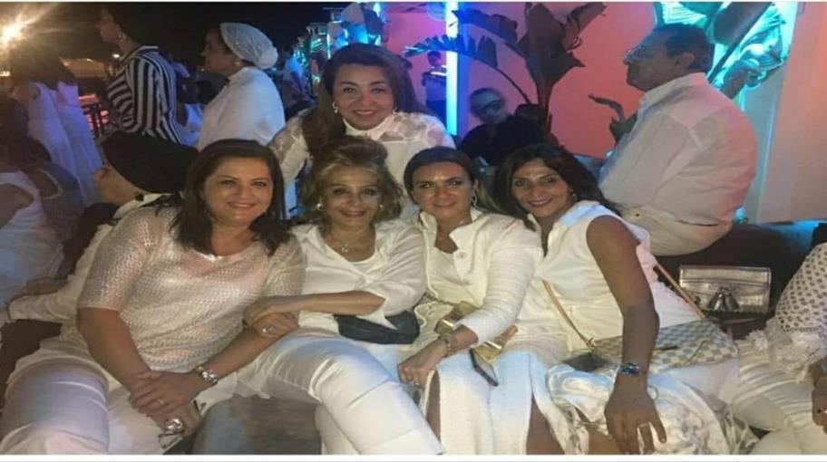 عن الوزيرات الضاحكات في حفل لوبيز بمصر